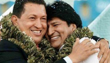 """""""¡Viva la Patria Grande!  El presidente de #Bolivia, evoespueblo, dedicó una canción en homenaje a su amigo Hugo #Chávez..."""