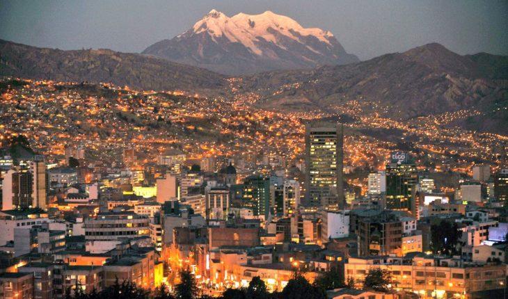 #16dejulio. Aniversario de una de las ciudades más bellas del mundo En 1809 se levantó el pueblo paceño contra el coloni...