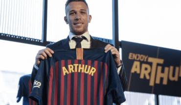 """Arthur fue presentado por el Barcelona: """"No soy Xavi ni Iniesta"""""""