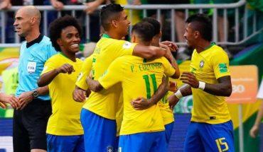Brasil somete 2-0 a México y se mete en cuartos de final