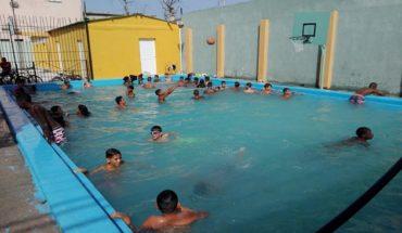 #Cuba A refrescar en las piscinas sagüeras  vía @RadioSagua...