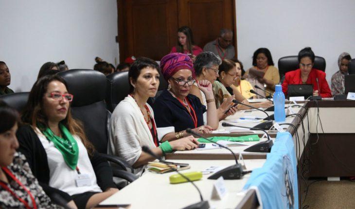 Diputadas argentinas participan activamente en encuentro con mujeres asistentes al  #24ForoDeSaoPaulo organizado por la ...