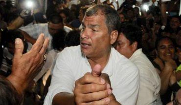 Ecuador: Correa denunció una persecución en su contra, tras la orden de detención