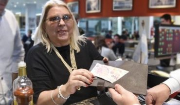 """Elisa Carrió se """"reivindicó"""" con la propina en La Plata"""