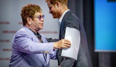 Elton John y el Príncipe Harry se unen en contra del SIDA
