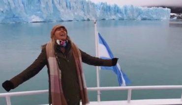 Emocionante: Coki Ramírez en el Día de la Patria cantó el himno a capella en el glaciar Perito Moreno