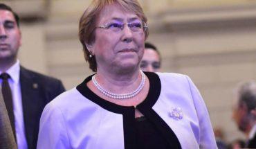 Ex-presidente Bachelet sale al paso de las declaraciones del ministro Varela