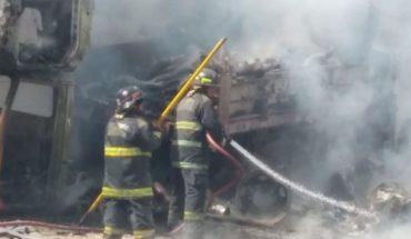 Incendio consume corralón en Puebla