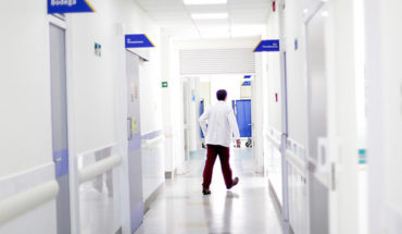 Investigan a tres médicos por presunto abuso sexual a pacientes