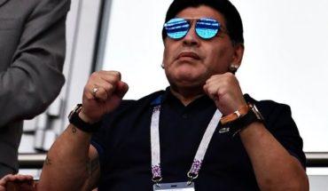 La noche del 10: Maradona asistió a un show de Damas Gratis y el público enloqueció