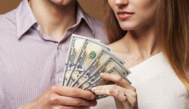 Las personas consideran la cantidad de dinero para seleccionar una pareja, afirman científicos
