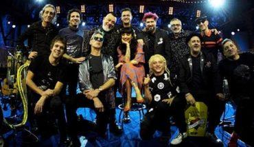 """Los Auténticos Decadentes presentaron """"Amor"""" junto a Mon Laferte"""