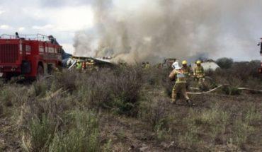 México: un avión de Aeroméxico cae poco después de despegar de Durango con 101 personas abordo