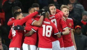 Manchester United planea una revolución en su defensa