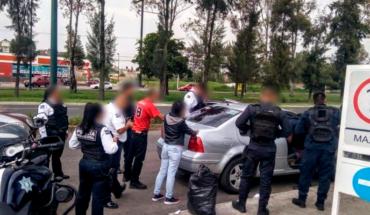 Pareja es arrestada en Morelia por posesión de droga y auto robado