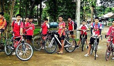 Rescataron a 6 chicos de la cueva en el norte de Tailanida