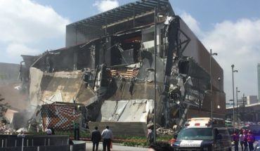 Se derrumba plaza Artz Pedregal, ubicada en Periférico Sur