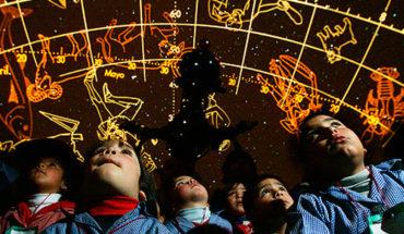 Talleres de astronomía para niños y niñas