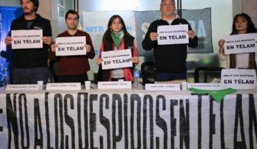 Trabajadores de Télam se movilizan al CCK tras los despidos