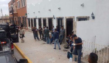 Tras choque, policías fronterizos arrestan a 96 migrantras