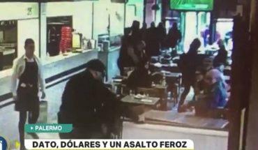 Violento robo a una mujer en una pizzería de Palermo