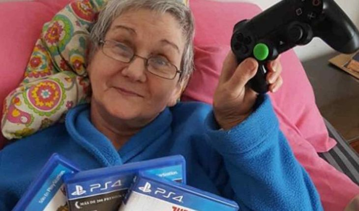 ¡Es real! Abuelita gamer es fan de Final Fantasy y derrota a todos sus nietos en Mortal Kombat