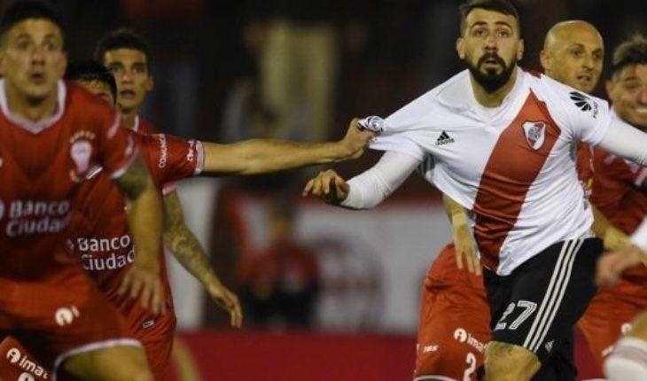 ¿Qué hiciste, Pity? Martínez tiró un penal a las nubes y River empata 0 a 0 con Huracán