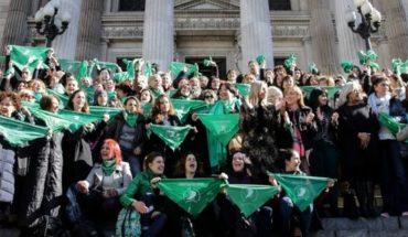 Aborto legal: convocan a un pañuelazo internacional a favor de la ley