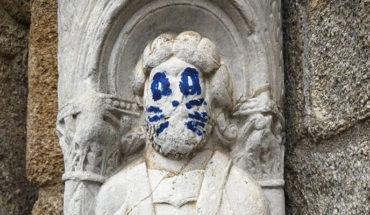 Acto vandálico en una escultura del siglo XII de la Catedral de Santiago de Compostela