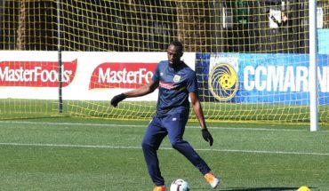 Bolt ya entrena con el Central Coast Mariners