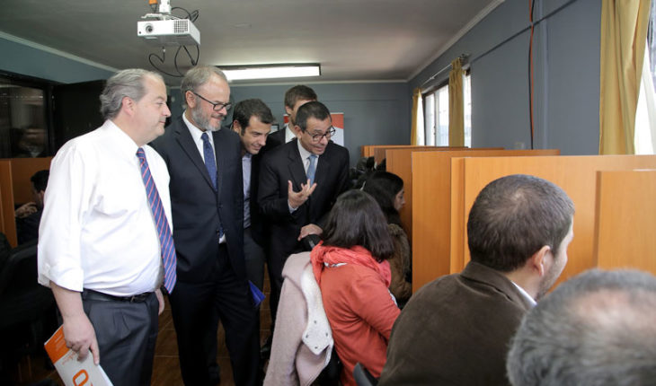 Chilenos podrán capacitarse gratis a través de plataforma educativa online