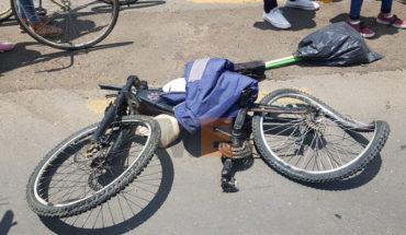 Ciclista es arrollado por camión de pasajeros y resulta lesionado en Zamora, Michoacán