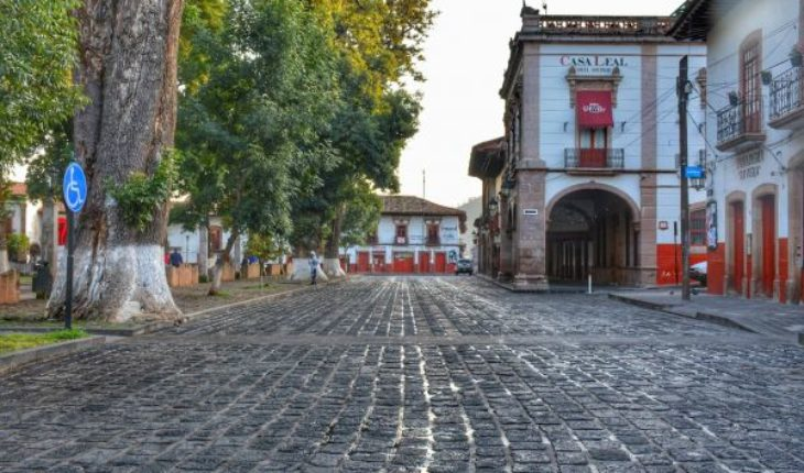 Colector pluvial en el Centro Histórico de Pátzcuaro evitará problema de salud pública: Víctor Báez