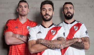 Con la banda en el corazón: River presentó su nueva camiseta