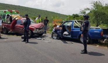 Cuatro lesionados deja fuerte choque de camionetas en Chavinda, Michoacán