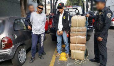 Detienen a dos por transportar mariguana en un diablito