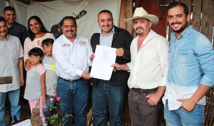 Diputado Lupillo Aguilera entrega apoyos e inaugura obras en Villa Madero, Michoacán