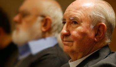 Duro golpe para el cardenal Errázuriz: diario español asegura que fue expulsado por el Papa del C-9