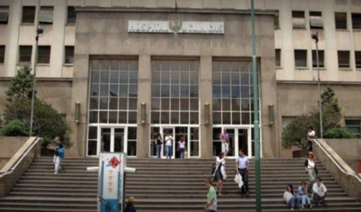 """El Hospital de Clínicas confirmó que atendió a """"tres personas con signos de irritación"""" luego de la denuncia de Cristina Kirchner"""
