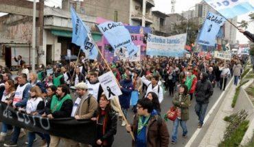 """El gobierno bonaerense calificó de """"descomunal"""" el paro docente de 72 horas"""