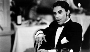 Elizabeth Banks protagonizará película sobre una cita con Prince