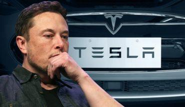 Elon Musk en una seguidilla de comportamientos inesperados