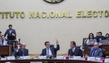 INE multa a partidos con 872 mdp