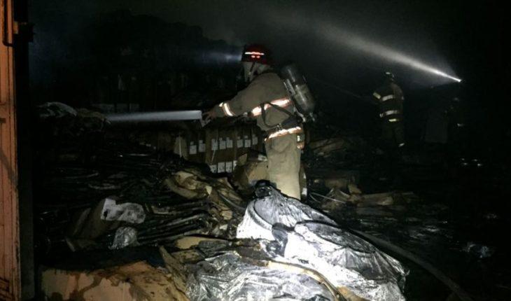 Incendio en bodega deja cuantiosos daños materiales