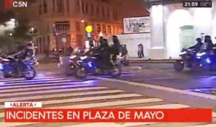 Incidentes y detenidos en la Plaza de Mayo tras la marcha educativa