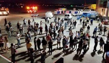 "Insólito: aterrizaje de emergencia por ""olor a medias sucias"""