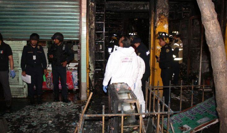 Investigan las causas del incendio en La Merced