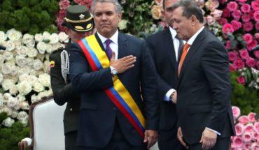 """Iván Duque asumió la presidencia de Colombia anunciando corrección a las """"fallas estructurales"""" del acuerdo con las FARC"""