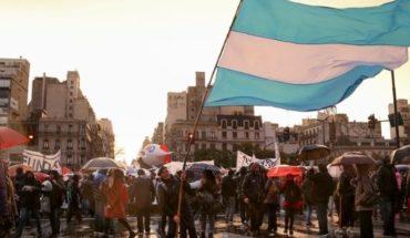 La lluvia no los para: comenzó la Marcha Universitaria y promete ser masiva