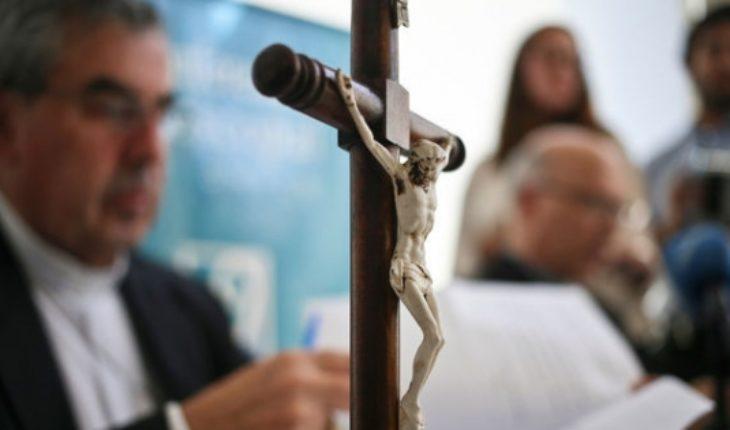 Laicos piden salida de sacerdotes sospechosos de encubrir abusos
